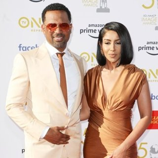 Mike Epps, Kyra Robinson in 50th NAACP Image Awards - Arrivals