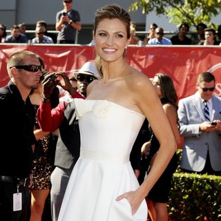 Erin Andrews in 2014 ESPYS Awards - Arrivals - erin-andrews-2014-espys-awards-01