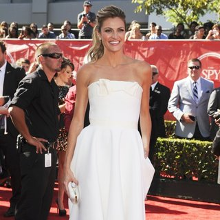 Erin Andrews in 2014 ESPYS Awards - Arrivals - erin-andrews-2014-espys-awards-02