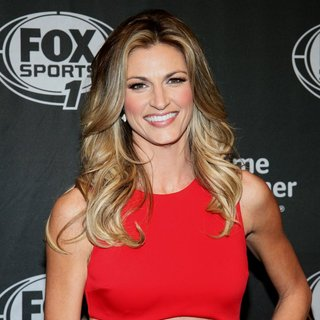 Erin Andrews in Time Warner Cable Presents The FOX Sports 1 Thursday Night Super Bash - erin-andrews-fox-sports-1-thursday-night-super-bash-01