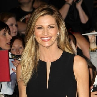 Erin Andrews in The Hunger Games: Catching Fire Premiere - erin-andrews-premiere-the-hunger-games-catching-fire-01