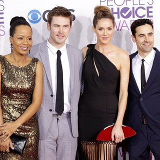 Jesse Bradford in People's Choice Awards 2013 - Red Carpet Arrivals - erinn-cregger-hayes-bradford-people-s-choice-awards-2013-01