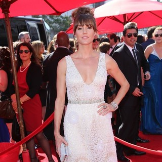 Erinn Hayes in 2013 Primetime Creative Arts Emmy Awards - Arrivals