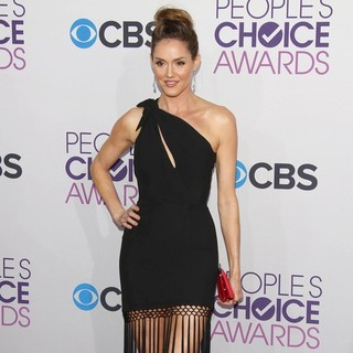 Erinn Hayes in People's Choice Awards 2013 - Red Carpet Arrivals - erinn-hayes-people-s-choice-awards-2013-03
