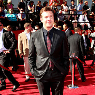 Jason Sudeikis in 2010 ESPY Awards - Arrivals