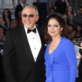 Emilio Estefan, Gloria Estefan in 2011 NCLR ALMA Awards - Arrivals