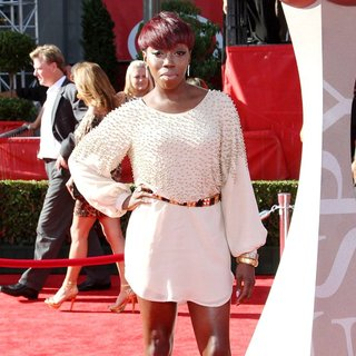Estelle in The 2011 ESPY Awards