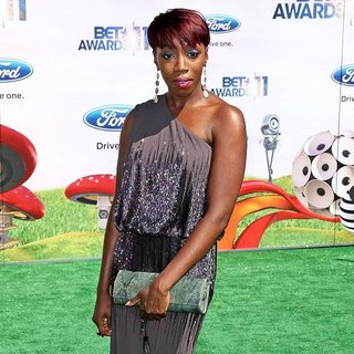 Estelle in BET Awards 2011