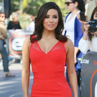 Eva Longoria Appears on Extra