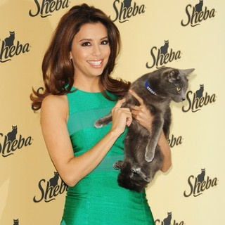 Eva Longoria Unveils The New Sheba: Feed Your Passion Campaign - eva-longoria-sheba-feed-your-passion-campaign-12