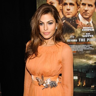 Eva Mendes in New York Premiere of The Place Beyond the Pines - eva-mendes-premiere-the-place-beyond-the-pines-08
