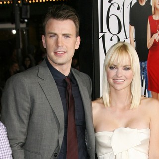 Chris Evans, Anna Faris in The World Premiere of What's Your Number? - Arrivals
