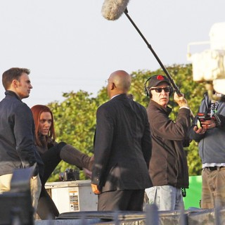 Scarlett Johansson in Filming Scenes for Movie Captain America: The Winter Soldier - evans-johansson-filming-captain-america-the-winter-soldier-05