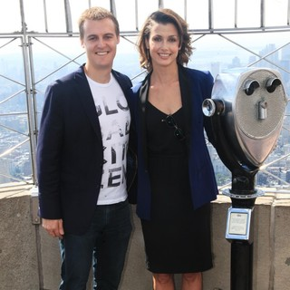 Hugh Evans, Bridget Moynahan in Bridget Moynahan Lights Up The Empire State Building in Honor of The Global Citizen Festival