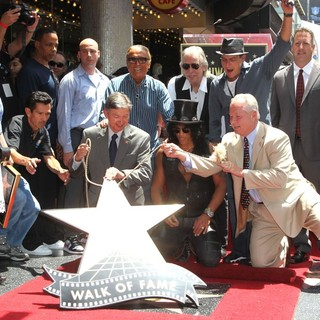Leron Gubler, Robert Evans, Slash, Jim Ladd, Charlie Sheen, Tom Labonge in Slash Honored with A Star on The Hollywood Walk of Fame
