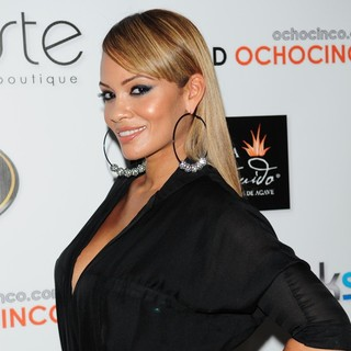 Evelyn Lozada in Dulce Taste Spi-n Shop 2011