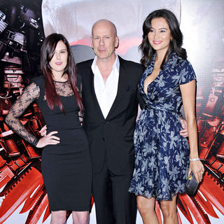 Rumer Willis, Bruce Willis, Emma Heming in Los Angeles Premiere of 'The Expendables'
