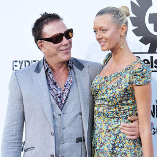 Mickey Rourke, Anastassija Makarenko in Los Angeles Premiere of 'The Expendables'