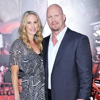 Steve Austin in Los Angeles Premiere of 'The Expendables'