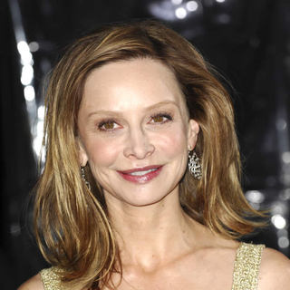 Calista Flockhart in Premiere of 'Extraordinary Measures' - Arrivals