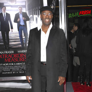 Courtney B. Vance in Premiere of 'Extraordinary Measures' - Arrivals