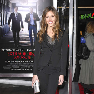 Kayla Ewell in Premiere of 'Extraordinary Measures' - Arrivals