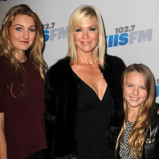 Luca Bella Facinelli, Jennie Garth, Lola Ray Facinelli in KIIS FM's Jingle Ball 2012 - Arrivals