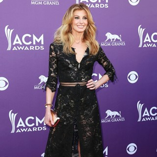 Faith Hill in 48th Annual ACM Awards - Arrivals - faith-hill-48th-annual-acm-awards-01