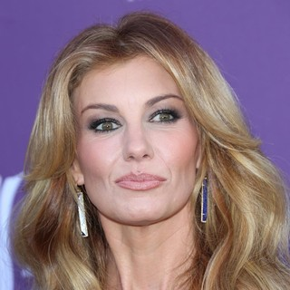 Faith Hill in 48th Annual ACM Awards - Arrivals - faith-hill-48th-annual-acm-awards-02