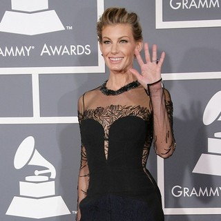 Faith Hill in 55th Annual GRAMMY Awards - Arrivals - faith-hill-55th-annual-grammy-awards-04