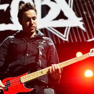 Pete Wentz, Fall Out Boy in Y100's Jingle Ball 2013 Presented by Jam Audio Collection - Concert