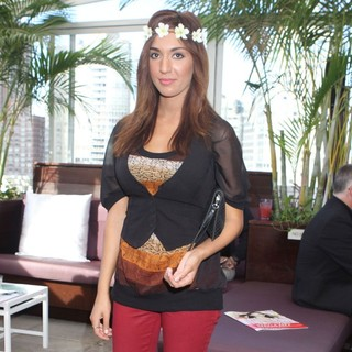 Farrah Abraham - Farrah Abraham Visits The Daily Style Boutique