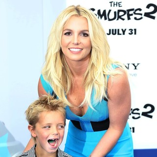 Sean Federline, Britney Spears in The Los Angeles Premiere of The Smurfs 2 - Arrivals
