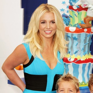 Britney Spears, Sean Federline in The Los Angeles Premiere of The Smurfs 2 - Arrivals