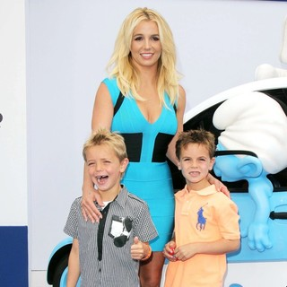 Sean Federline, Britney Spears, Jayden James Federline in The Los Angeles Premiere of The Smurfs 2 - Arrivals