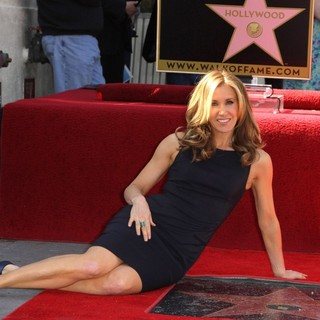 Felicity Huffman in Felicity Huffman and William H. Macy Are Honored with Stars at The Hollywood Walk of Fame
