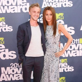 Tom Felton, Jade Gordon in 2011 MTV Movie Awards - Arrivals