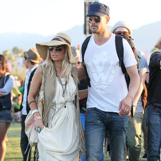 Josh Duhamel in Celebrities at The 2012 Coachella Valley Music and Arts Festival - Day 2 - ferguson-duhamel-2012-coachella-day-2-01