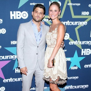 Jerry Ferrara, Alexandra Blodgett in Final Season Premiere of HBO's Entourage