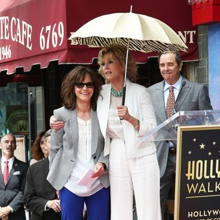 Sally Field, Jane Fonda, Beau Bridges in Sally Field Receives Hollywood Walk of Fame Star