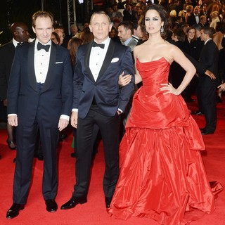 Ralph Fiennes, Daniel Craig, Berenice Marlohe in World Premiere of Skyfall - Arrivals