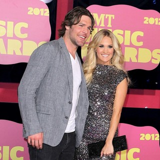 Mike Fisher, Carrie Underwood in 2012 CMT Music Awards