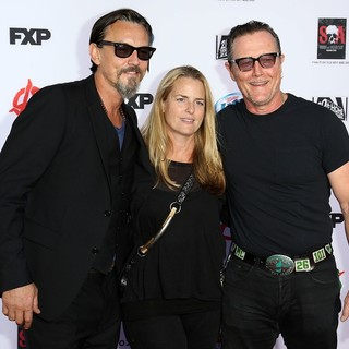 Tommy Flanagan, Barbara Patrick, Robert Patrick in Premiere of FX's Sons of Anarchy Season Six - Arrivals