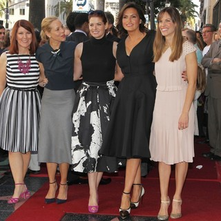 Kate Flannery, Maria Bello, Debra Messing, Mariska Hargitay, Hilary Swank in Mariska Hargitay Honored on The Hollywood Walk of Fame