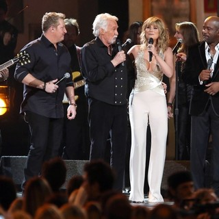 Rascal Flatts, Kenny Rogers, Jennifer Nettles, Darius Rucker in 47th Annual CMA Awards - Show