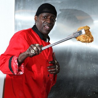 The Official Grand Opening of The Flavor Flav House of Flavor Take Out Restaurant - flavor-flav-grand-opening-restaurant-11