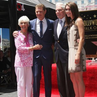 Dorothy Flay, Bobby Flay, Bill Flay, Sophie Flay in Bobby Flay Honored on The Hollywood Walk of Fame