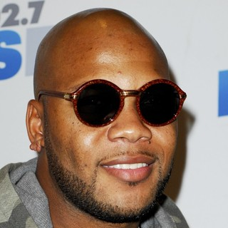 Flo Rida in KIIS FM's 2012 Jingle Ball - Night 2 - Arrivals