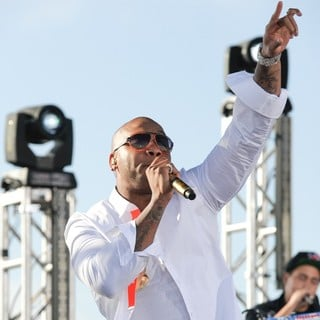 Flo Rida in Flo Rida Performs Live on NBC's Today