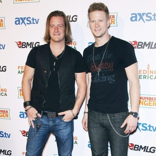 ACM and BMLG Red Carpet for Out Number Hunger Live